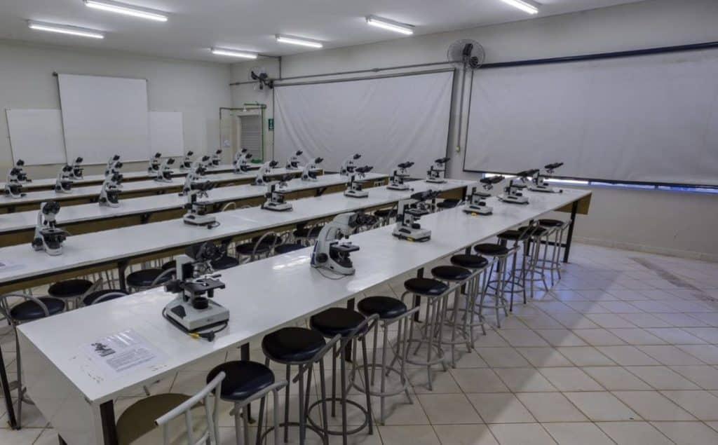 Estrutura do Laboratório de Análises Clínicas - Anhanguera Anápolis